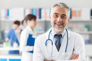 02_doctor_Insider-Tips-to-Choosing-the-Best-Primary-Care-Doctor_519507367_Stokkete